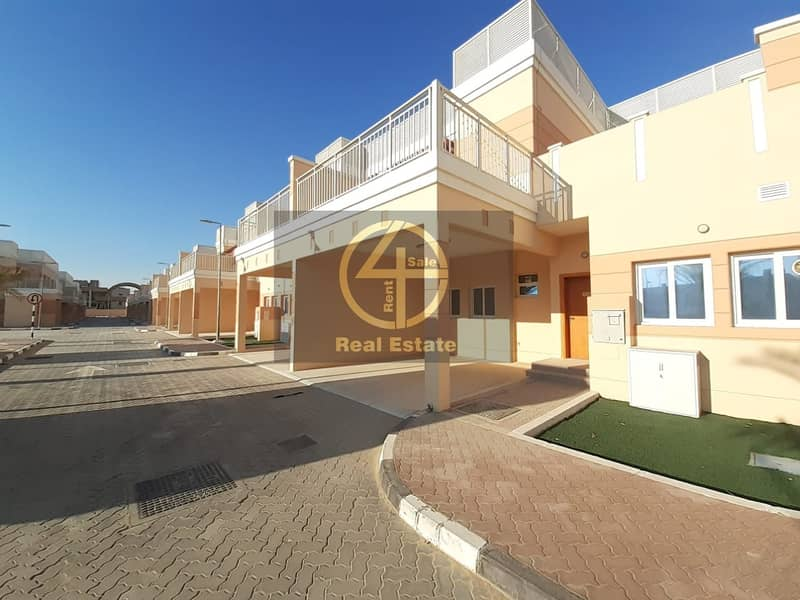 2 Incredible Design with Fall Facilities Villa
