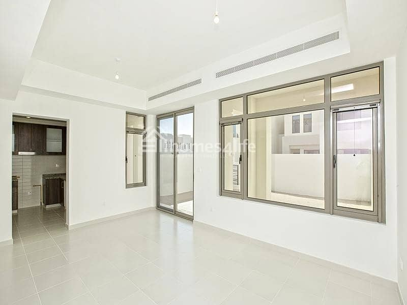 2 Spacious  N Prestigious Family Home In Outstanding Location