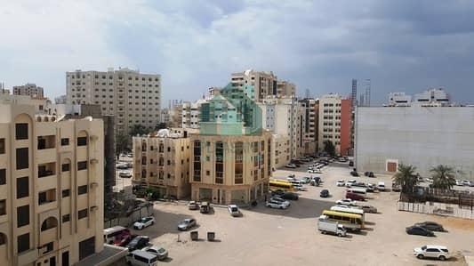 مبنى سكني  للبيع في منطقة الرولة، الشارقة - Ground Plus 5 Full Building For Sale In Sharjha