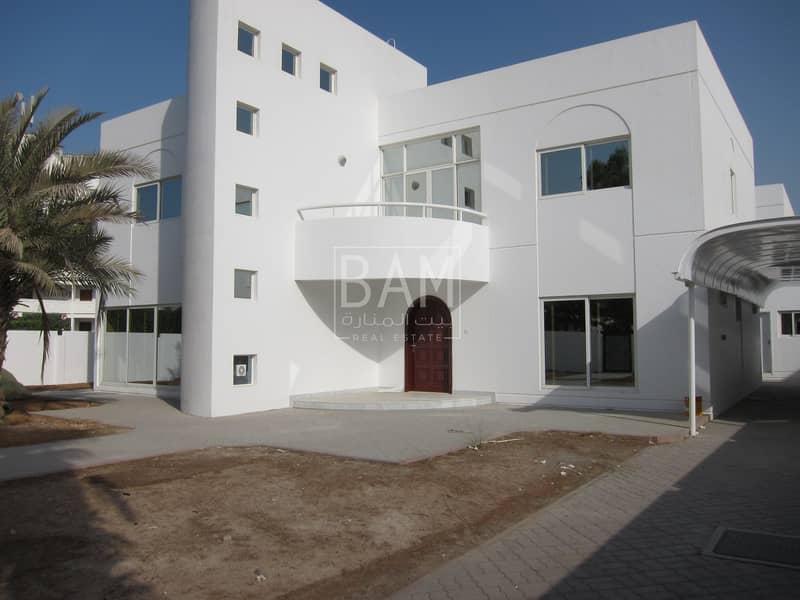 Complete Modern Living Villa with 4 Bedrooms in Al Garhoud