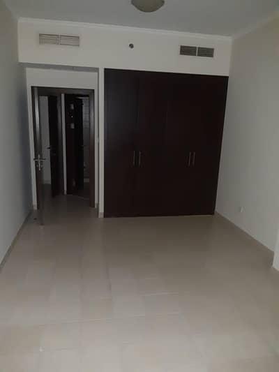 شقة 1 غرفة نوم للبيع في دبي مارينا، دبي - شقة في برج الشعلة دبي مارينا 1 غرف 685000 درهم - 4446040