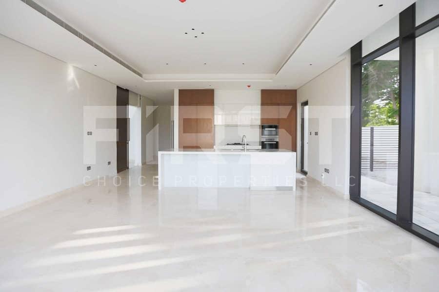 2 Prime Area! Bright and Modernized Villa in Saadiyat!