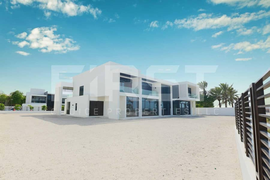 15 Prime Area! Bright and Modernized Villa in Saadiyat!