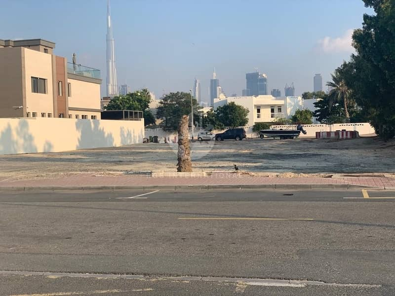 Open plot for rent at strategic location in Jumeirah