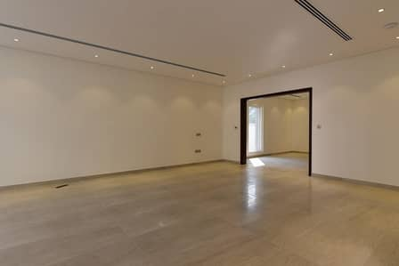 Brand New 5 Bedrooms Town House Villa
