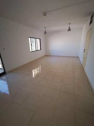 شقة 2 غرفة نوم للايجار في ديرة، دبي - شقة في الرقة ديرة 2 غرف 65000 درهم - 4446540