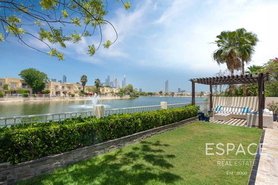 13 Fully Upgraded | Lake View | E End Villa