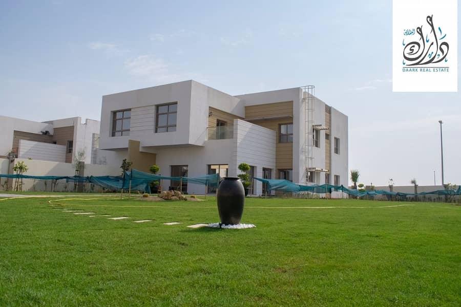 2 Own an elegant 5 bedroom Villa in Sharjah