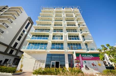 محل تجاري  للايجار في مدينة دبي للاستديوهات، دبي - Prime Location   Shop For Rent in a Well Established Community