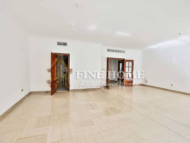Amazingly Well Spaced 4BR Apartment