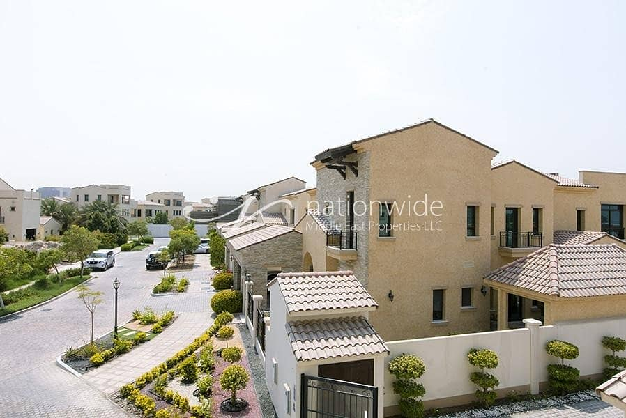 Exceptional 5 BR Townhouse in Bloom Gardens