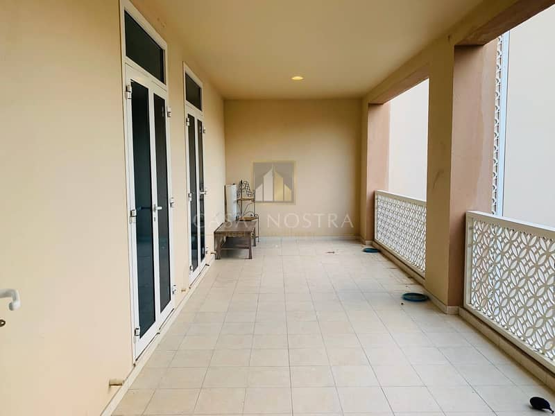 2 Vacant 2Bedroom with Spacious Balcony Chiller Free
