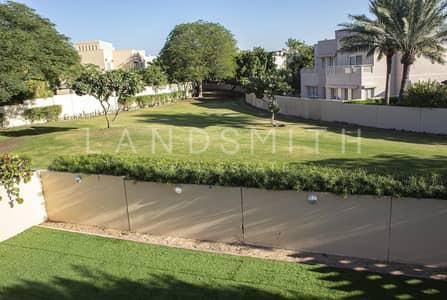 5 Bedroom Villa for Sale in The Meadows, Dubai - Newly Upgraded 5 BR Type 13 Villa  in Prime Location