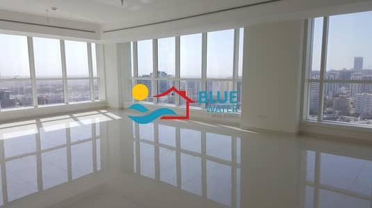 فلیٹ 2 غرفة نوم للايجار في الحصن، أبوظبي - Bright 2 Master BR  With Facilities On Prime Location