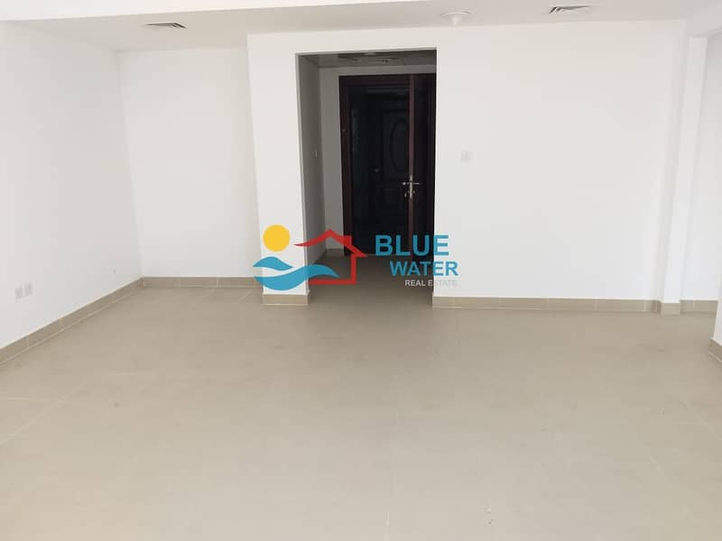2 Spacious 1 Bedroom + Large Living room with easy parking