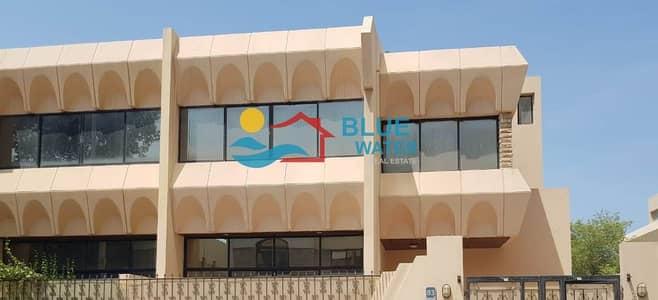 فیلا 3 غرف نوم للايجار في شارع الكورنيش، أبوظبي - 3 BR Villa/House for Rent at Corniche with separate entrance and parking garage