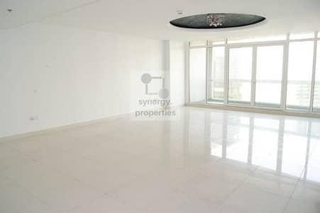3 Bedroom Flat for Rent in Jumeirah Lake Towers (JLT), Dubai - Huge 3 BR Lake Facing in Al Shera Tower JLT.