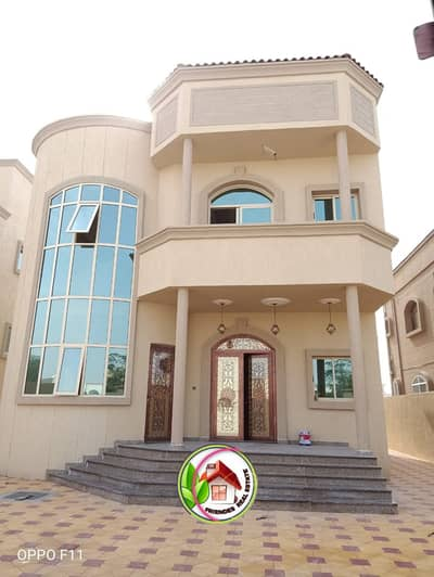 5 Bedroom Villa for Sale in Al Mowaihat, Ajman - Wonderful villa, European design, large area, close to all services  freehold, directly from the owner and without commission for the office