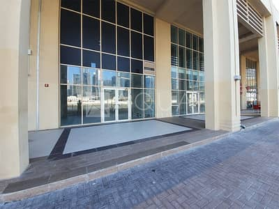 Shop for Rent in Business Bay, Dubai - Canal Views   Churchill Tower   Fully Fitted