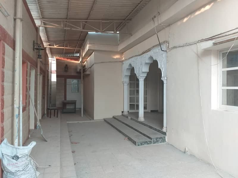 7 BHK Villa with majlis, 2 hall, Split & Window A/C, store, 6 baths, 58k ceramic flooring, car parking,