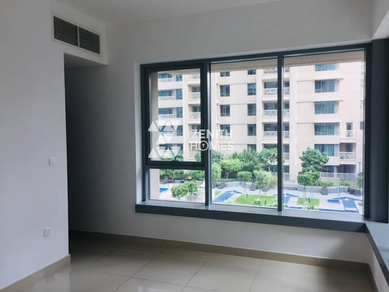 10 Bright & Spacious One Bedroom | Motivated Seller