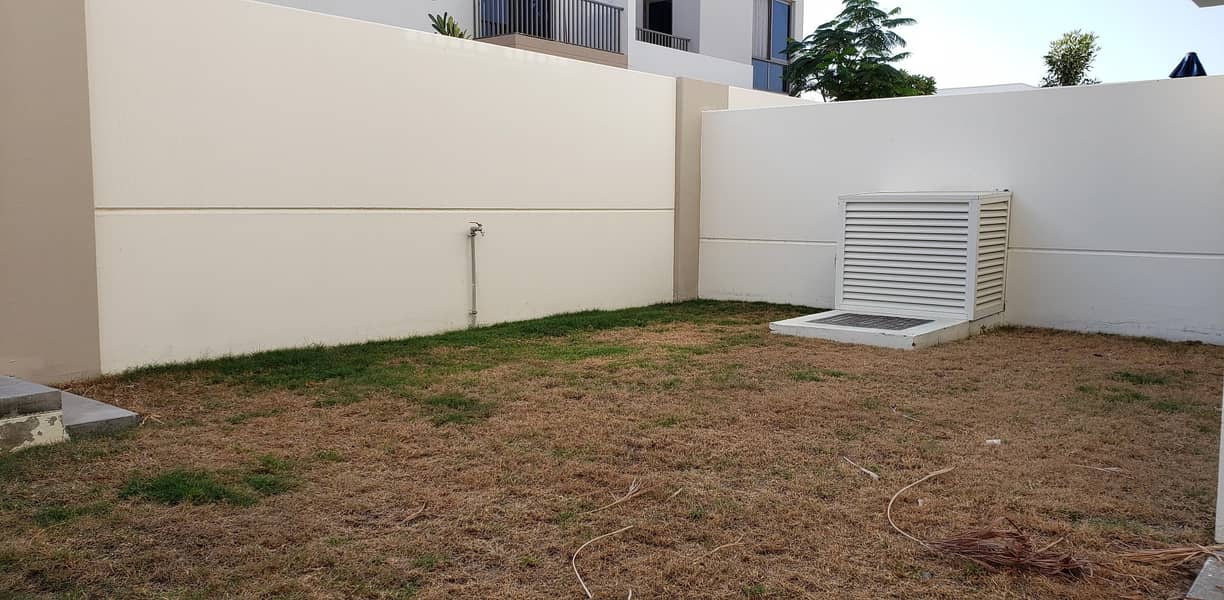 2 Upto 4 Chqs|Landscaped|Quite Location