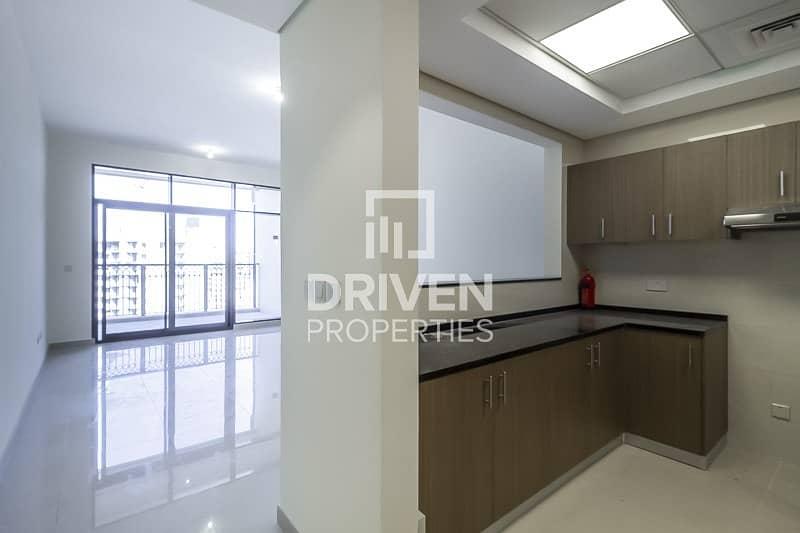 2 Large Modern-designed Unit on High Floor