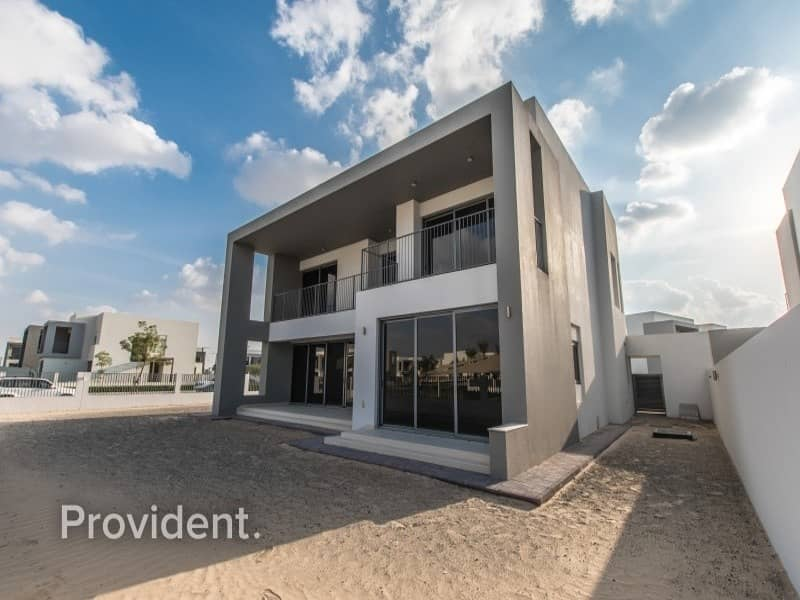 2 Large Plot Villa | Proximity to Pool and Park