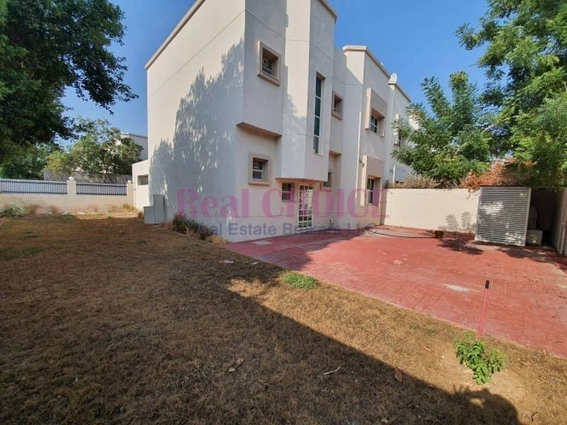 2 Well Maintained With Nice Garden And 30Days Free