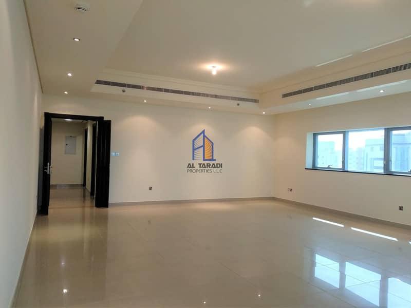 2 Adorable & Luxurious Apartment W/Sea View & Parking