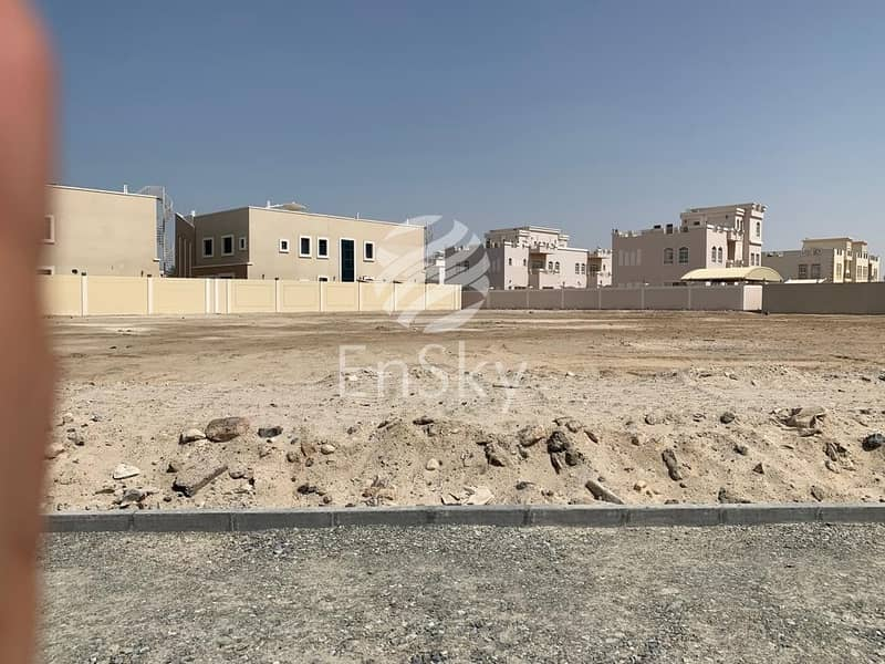 2 prime location in almushrif and perfectly priced