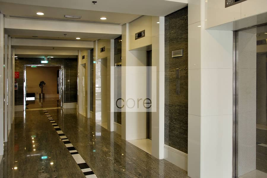 10 Office with sea view in Business Central B