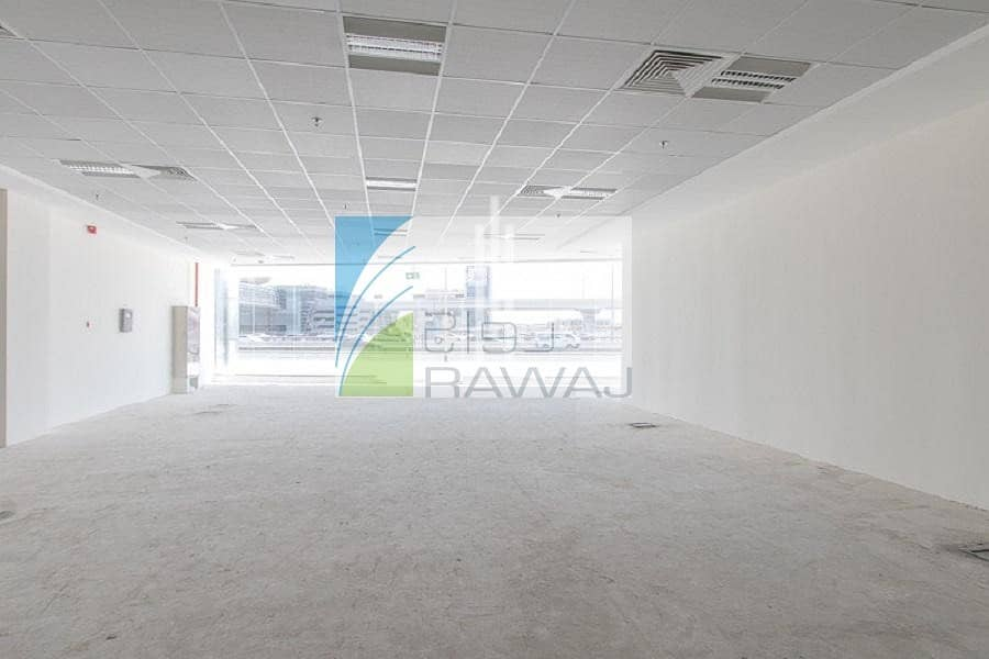 Showroom + Office for rent in front of Metro station in Sheik Zayed Road