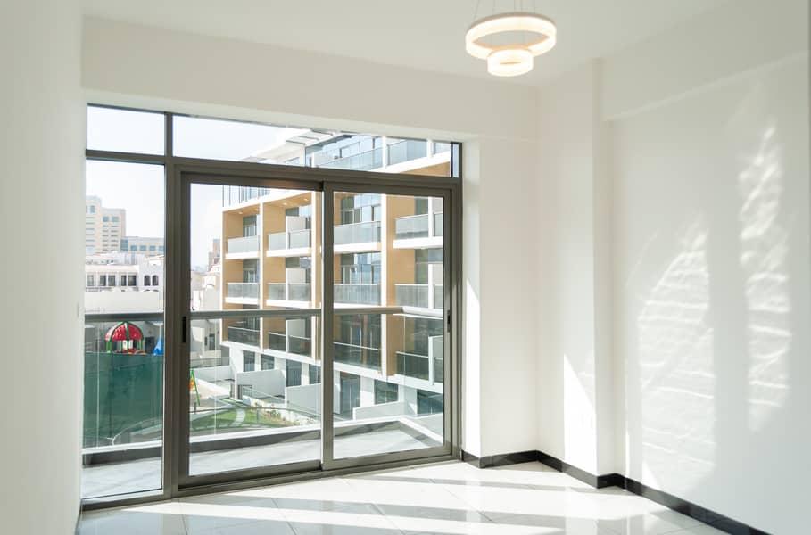 2 Pool View | High Floor | Multiple Chqs | Chiller Free