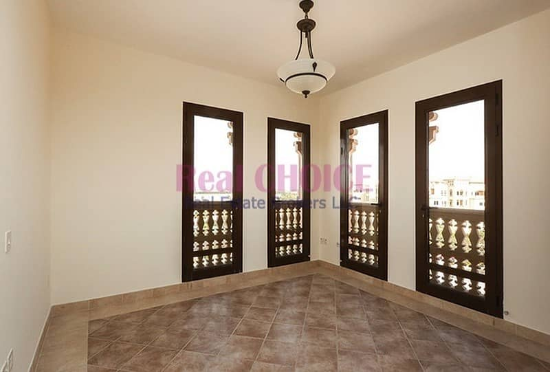 2 Chiller Free|2BR Well Lighted Unit|Prime Location