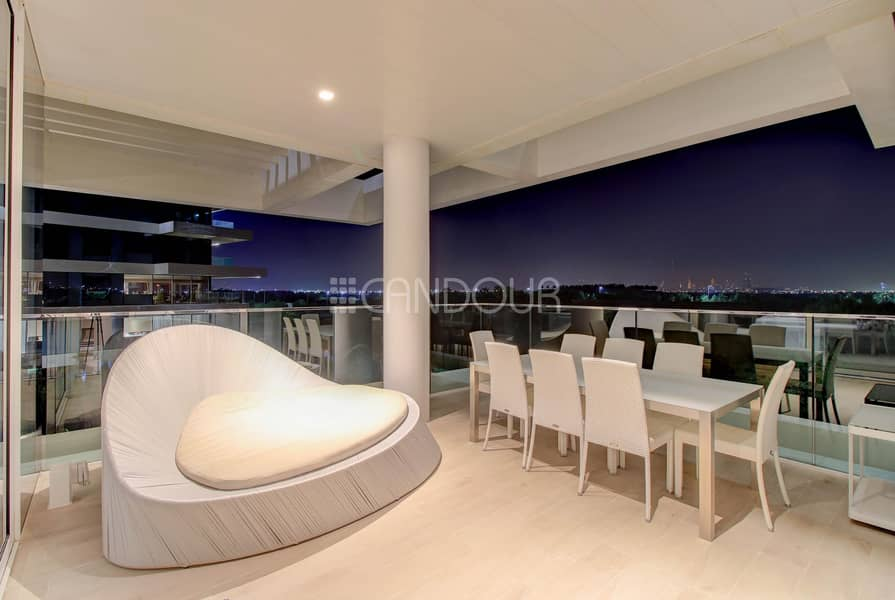 11 Luxurious 2Bedroom in Cube with 360 Views of Dubai