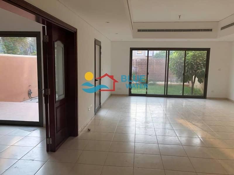 2 No Fee || Luxury 4 br villa || Pvt Garden