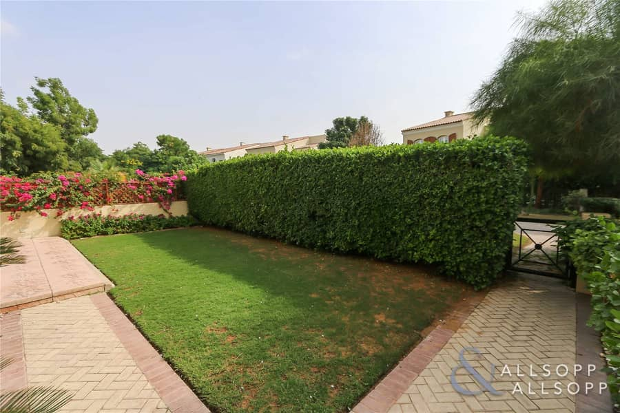 2 Owner Occupied   Close To Pool   4 Bed