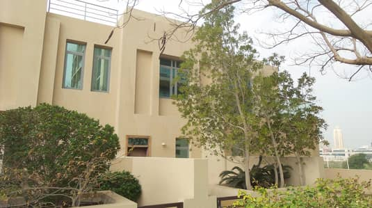 4 Bedroom Villa for Sale in The Views, Dubai - Outside View