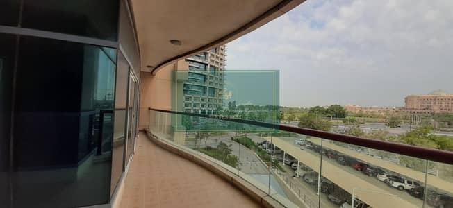 شقة 3 غرف نوم للايجار في الخالدية، أبوظبي - Palace View! Stunning Huge size 3 beds with Balcony