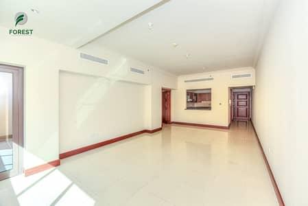 شقة 1 غرفة نوم للايجار في نخلة جميرا، دبي - Vacant 1BR with Road View Well-Maintained