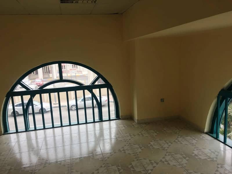 10 Great Location|Nice Fit-out Office in Airport Road