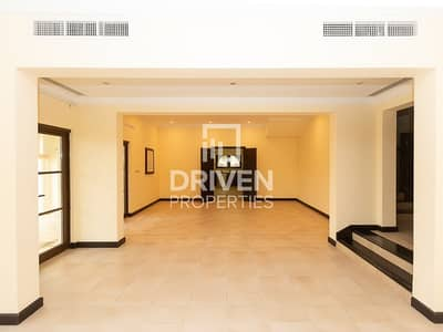 5 Bedroom Villa for Sale in The Villa, Dubai - Highly Maintained Granada 5Bed plus Maids