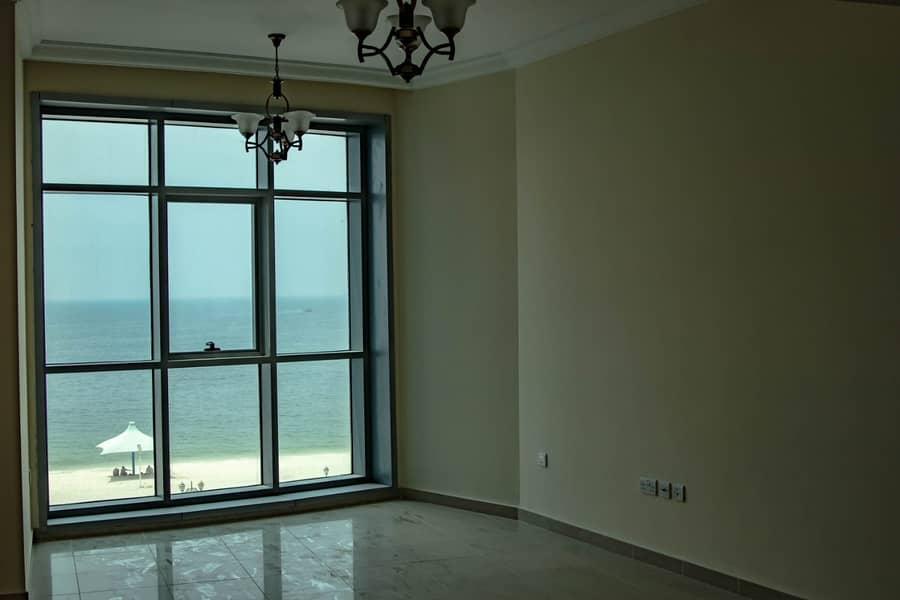 الأركاني للعقارات يقدم لكم شقة مميزة للايجار في برج كورنيش في امارة عجمان ب أفضل سعر
