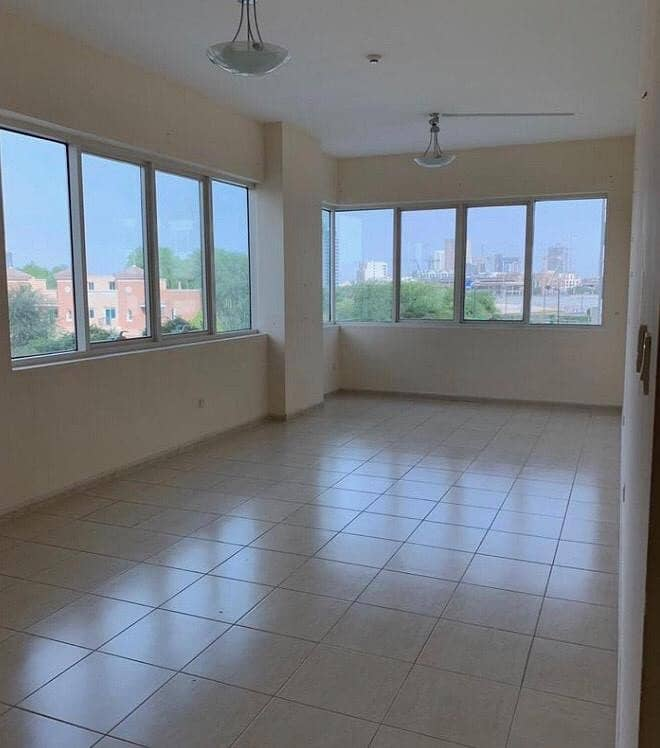 PERFECTLY PRICED FOR 2 BEDROOMS APARTMENT