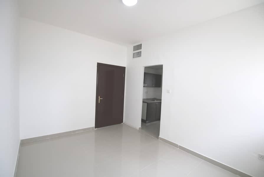 شقة في مدينة زايد 1 غرف 50000 درهم - 4459572