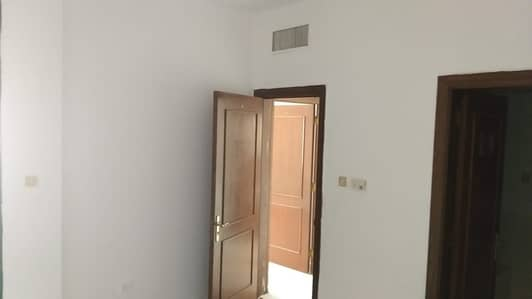 3 Bedroom Apartment for Rent in Electra Street, Abu Dhabi - Spacious 3 BHK in Electra St located in front of Bus stop
