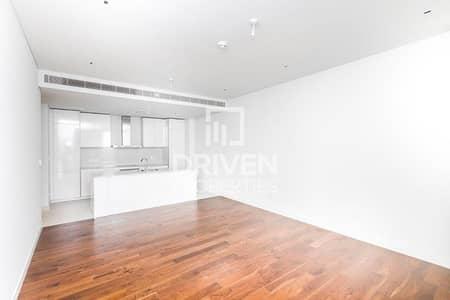 1 Bedroom Flat for Rent in Jumeirah, Dubai - Elegant and Spacious 1 Bedroom Apartment