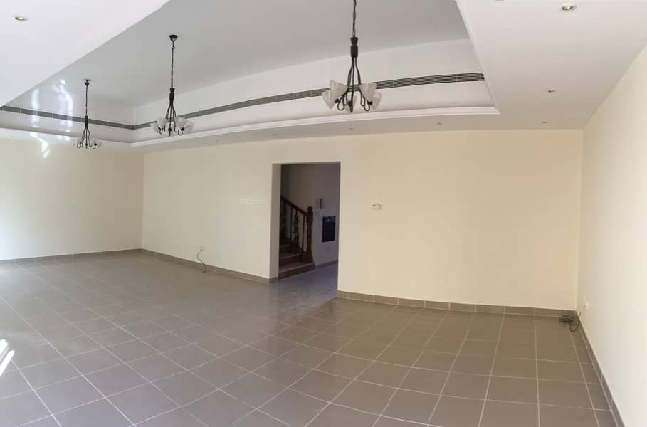 Spacious 3 bed Villa | Close to Bin Sougat Shopping Mall