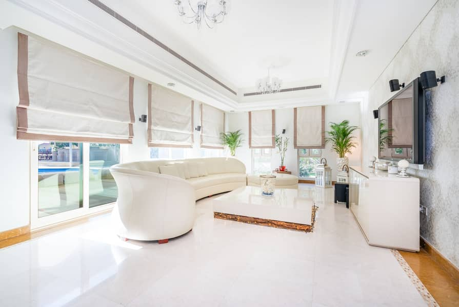 2 Stunning 6 Bed Villa with Striking Panoramic Views